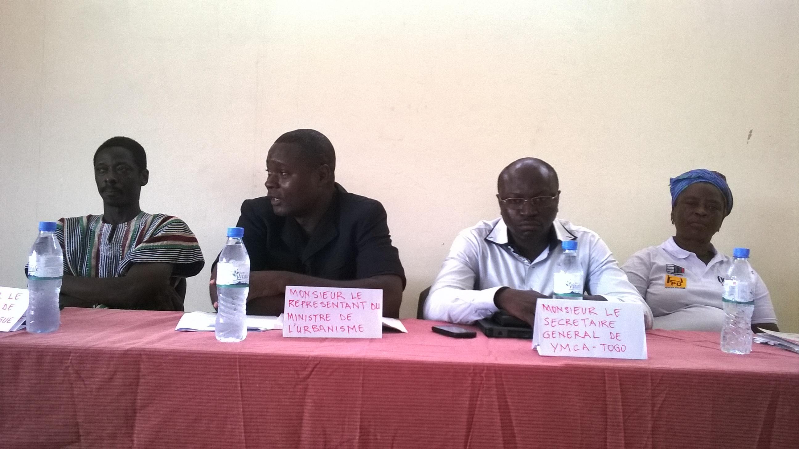 Le YMCA a facilité l'organisation de l'assemblée générale élective de la fédération des associations des habitants de bidonville