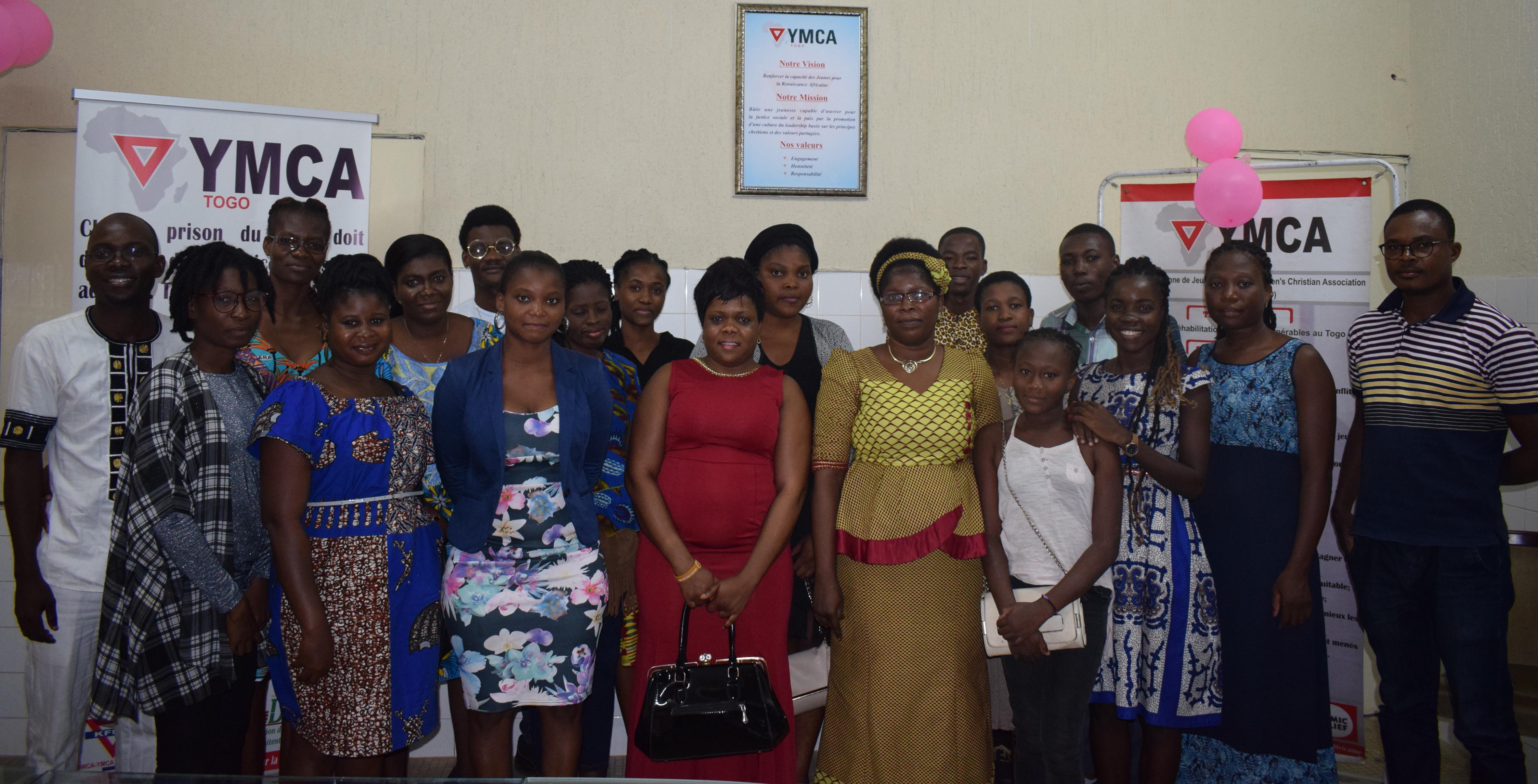 Les femmes de l'Union locale Wisdom à l'école de la gouvernance locale et de la culture d'esprit initiative