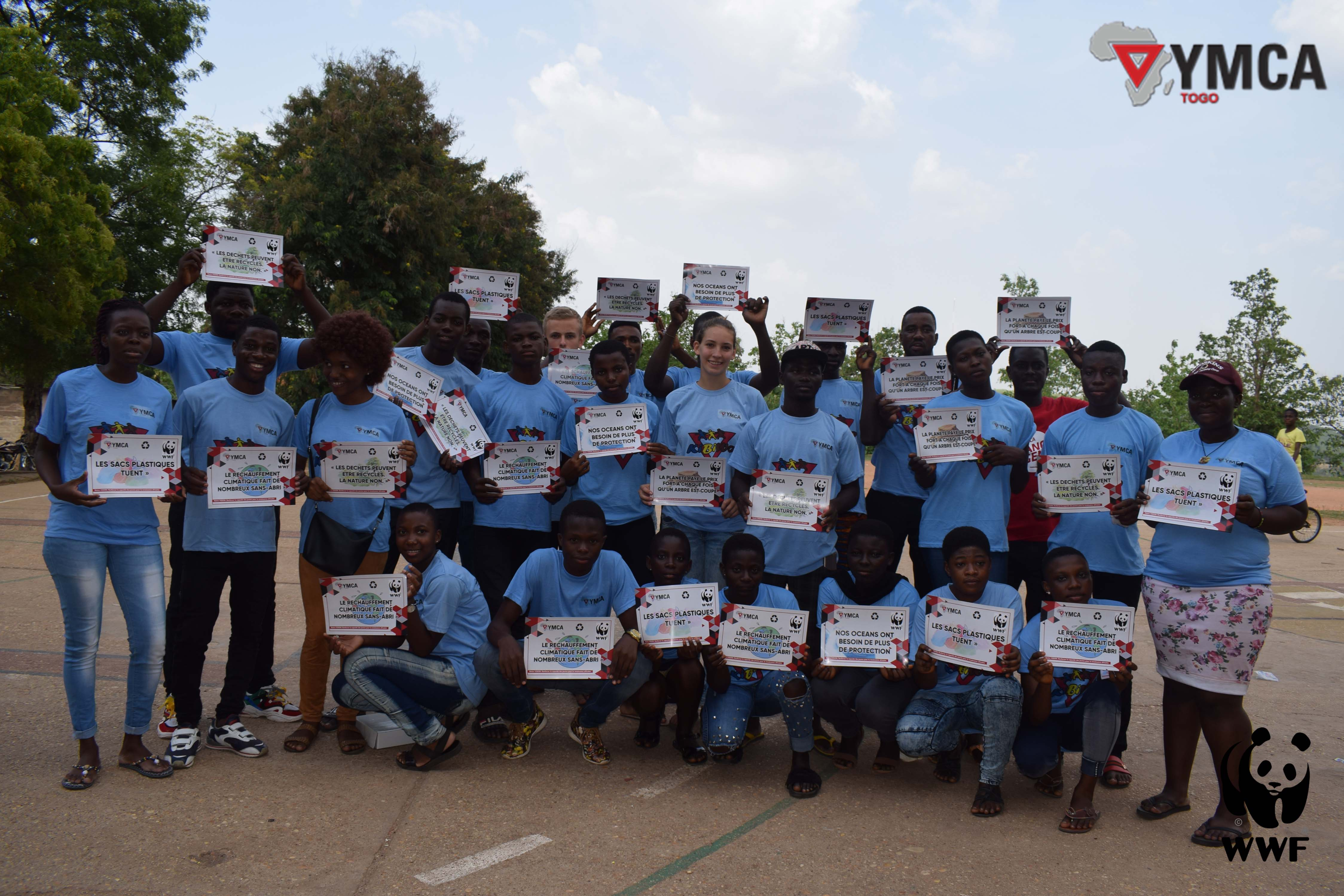 Célébration de la journée «Une heure pour la planète » : La jeunesse de YMCA-Togo en mode écologique