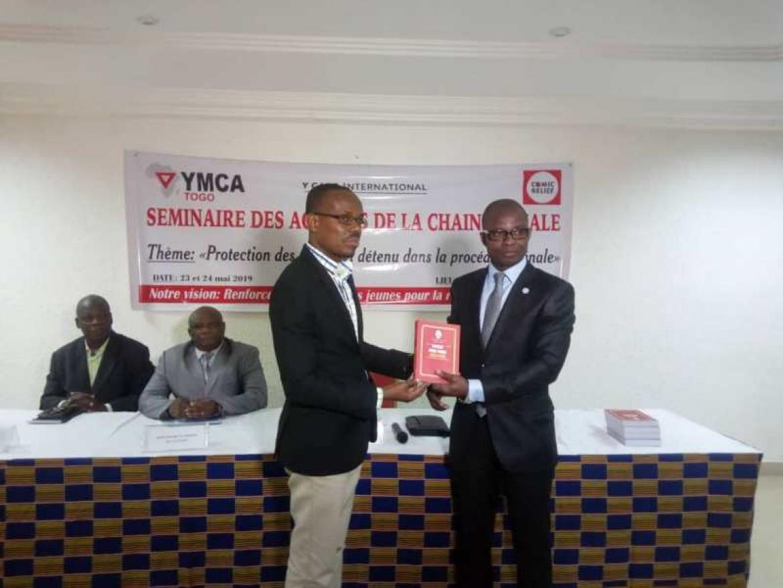 UCJG-Togo fait don du nouveau code pénal aux acteurs de la chaîne pénale