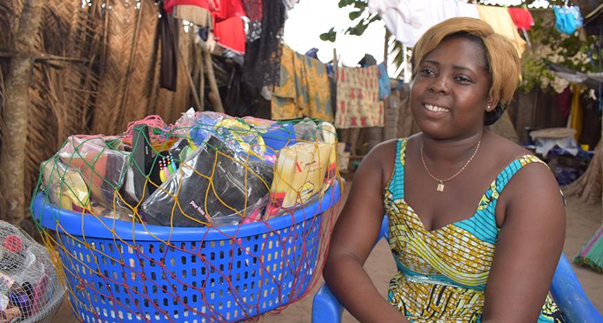 «La série de formations de YMCA-Togo m'a permis de mieux gérer mes revenues et de faire des économies»